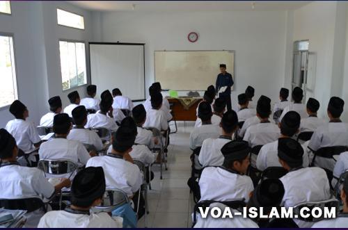 Kebodohan Kaum Muslimin Ditengah Menjamurnya Lembaga Pendidikan Islam