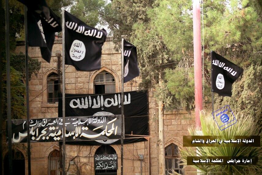 Subhanallah! ISIS Buat Penyulingan Minyak & Pom Bensin di Manbij