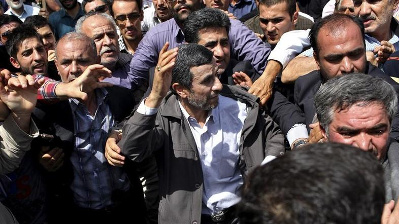 Bekas Bodyguard Presiden Iran Ahmadinejad Tewas di Aleppo