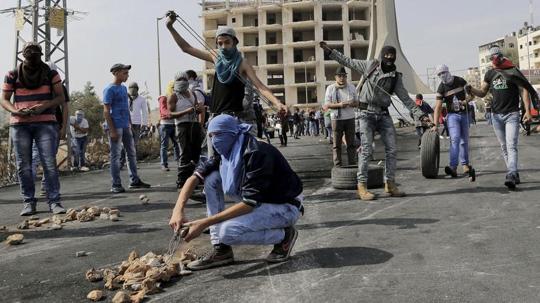 Akibat Intifadah : Warga Zionis-Israel Ramai-Ramai Meninggalkan Israel