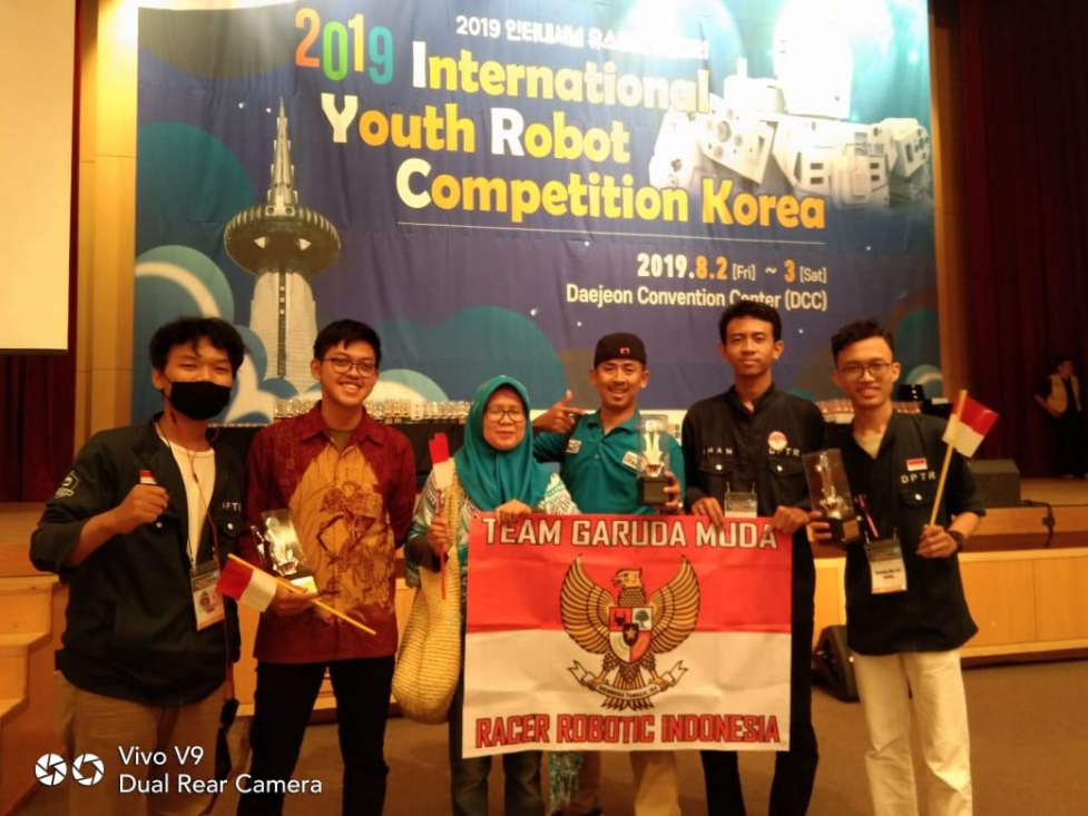 Lewat Karya Sorting Trash System, MAN 2 Jakarta Juara II Creative Design International Youth Robot