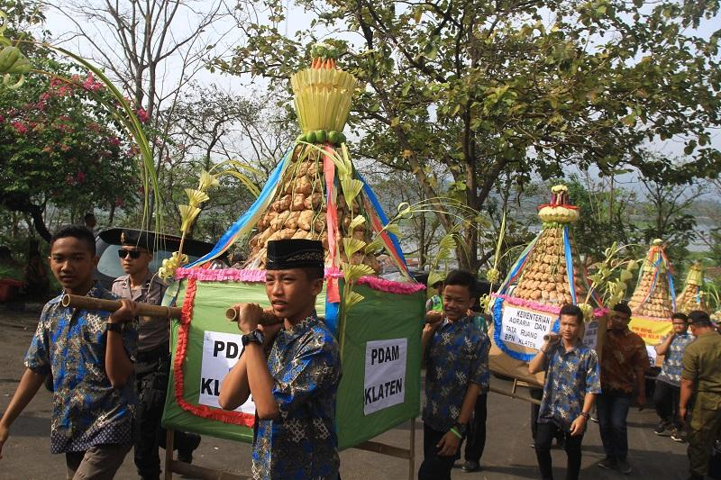 Tradisi Kupatan Telah Terjadi Pergeseran Makna - VOA-ISLAM.COM