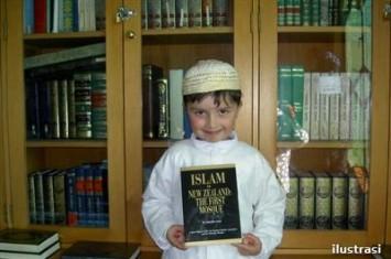 Muhammad Alexander Pertz: Kisah Bocah Amerika Menemukan Islam dalam Buku
