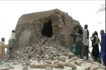 Pejuang islam mali kembali hancurkan kuburan tempat kemusyrikan di