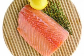 http://www.voa-islam.com/timthumb.php?src=/photos2/daging-salmon.jpg&h=235&w=355&zc=1
