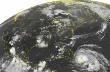 Para Ilmuwan Menemukan Badai Besar Dapat Menciptakan ' Gempa Badai'
