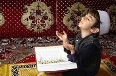 Penting Mengajari Anak Berdzikir