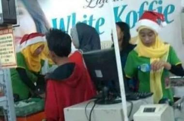 Karyawan Muslim Haram Kenakan Atribut Natal, Inilah Alasannya!
