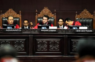 Menyoal Hakim MK