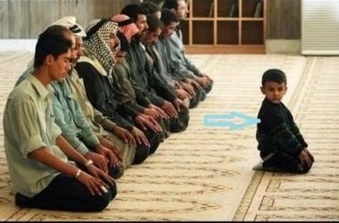 Anak Belum Baligh Menjadi Imam Shalat