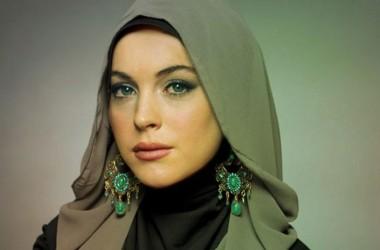 Lindsay Lohan dan Hikmah dari Rumor tentang Keislamannya