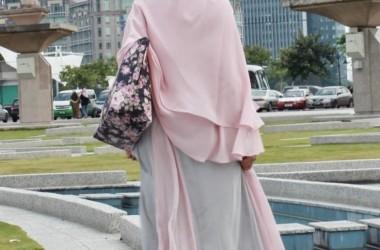 Hijab; antara Fashion dan Panggung Politik
