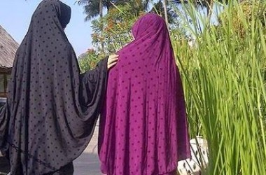 Ibu Indonesia Zaman Now, Tak Sempat Berkonde!