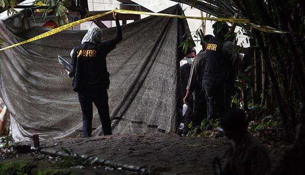 Teroris Gallery: Komnas HAM : Sudah 100 Terduga Teroris Tewas Dibunuh