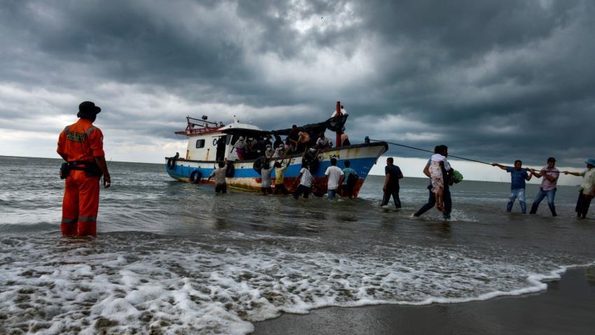 Muslim Rohingya yang Dikira Tenggelam di Perairan Malaysia Ditemukan Bersembunyi di Semak-semak
