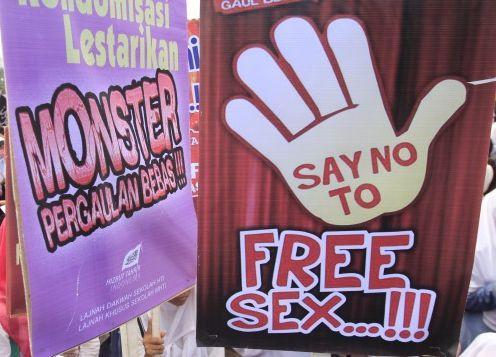 Generasi Penerus Bangsa dalam Pusaran Prostitusi